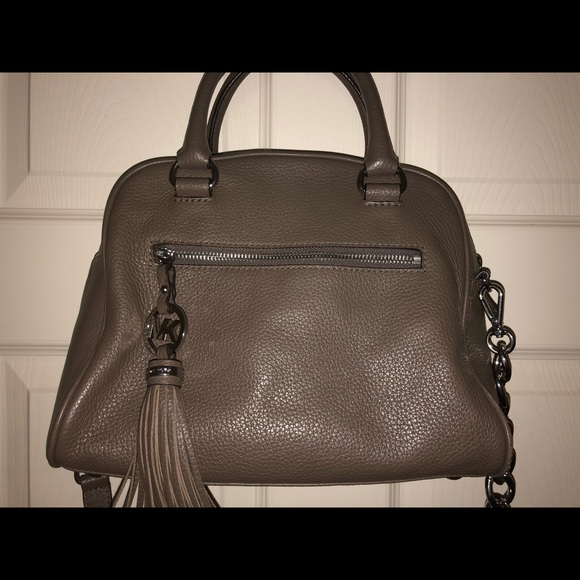Micheal Kors grey pebbled leather purse